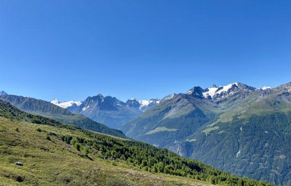 2021 retraite de yoga et randonnée dans le Val d'Hérens avec Inès Thoms de Zenaventures 5